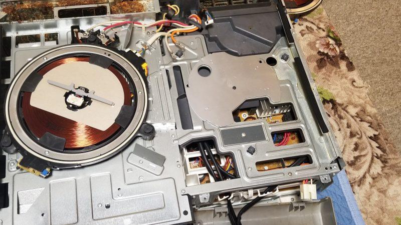 IHクッキングヒーターが片側動かなくて修理のご依頼。